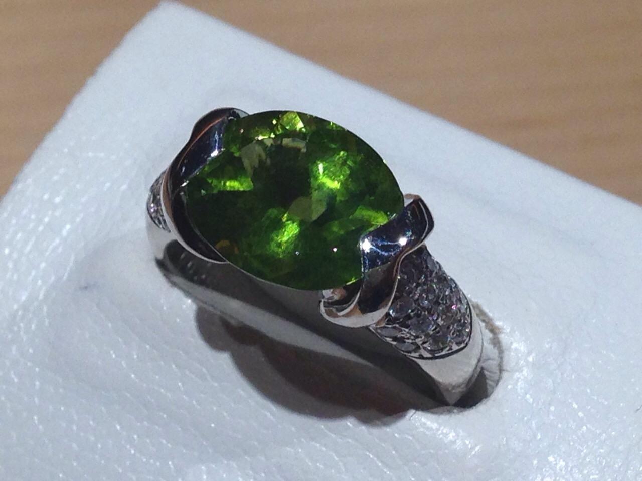 ペリドット ダイヤリング プラチナ Pt900 宝石 高価買取
